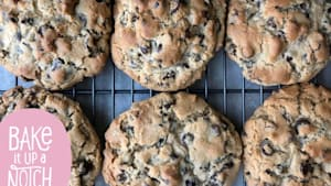 How to make bakery-style chocolate chip cookies
