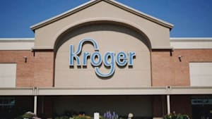 Kroger gives front line workers 'hero bonus'