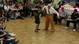 Elderly couple wows crowd with dance skills