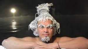 Super-Cool: Hier werden Haare gefroren