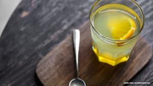 Heiße Zitrone statt Kaffee? DAS spricht dafür!