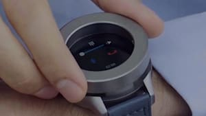 Device doubles as smartwatch and Bluetooth headset