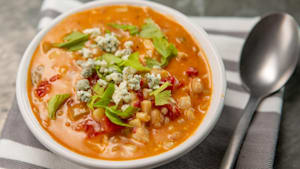 How to make buffalo chicken chili