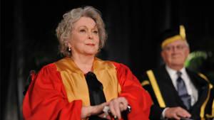 Lungenentzündung: Schauspielerin Shirley Douglas ist gestorben