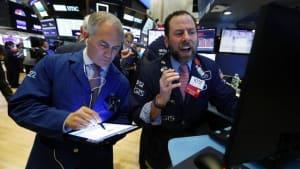 Dow Jones gewinnt mehr als 7 % - Dax klettert über 10.000 Punkte