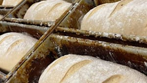 Bakery chain helps feed those in need