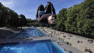 Eine Handtuchlänge Abstand: Badespaß 2020