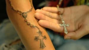Neuer Trend: Immer mehr Menschen bewahren Tattoos vom Körper eines verstorbenen Angehörigen auf