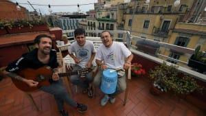"""Stay Homas: Der """"unglaubliche"""" Erfolg von 3 Musikern in Corona-Isolation"""