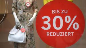 Preisschlacht trotz Verlust: Darum kannst du günstig Klamotten shoppen