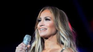 Stahlhartes Sixpack: Jennifer Lopez zeigt ihren durchtrainierten Körper
