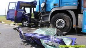Drama am Balaton: Fünf Tote und vier Schwerverletzte bei Kollision zwischen Kleinbus und LKW!