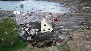 Norwegen: Erdrutsch reißt Häuser ins Meer
