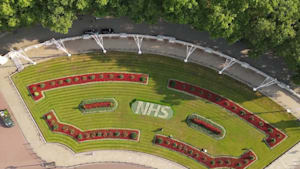 Royal Parks unveils NHS floral display in front of Buckingham Palace