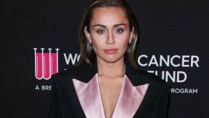 Miley Cyrus' Freund Cody Simpson unterstützt ihre Nüchternheit