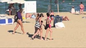 Am Strand in Bulgarien: Kommen doch noch Touristen aus dem Ausland?