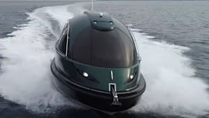 Luxury Jet Capsule is the coolest and fanciest boat on the water