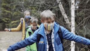 Pandemie: So erklärt man Kids, wie wichtig soziale Distanz ist
