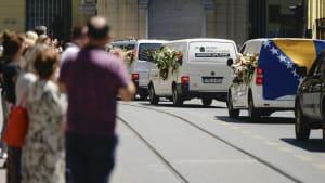 Offene Wunden: 25 Jahre Völkermord von Srebrenica
