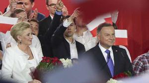 Präsidentschaftswahl: Duda und Trzaskowski fast gleichauf