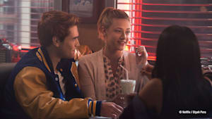 """Riverdale"" und ""Chilling Adventures of Sabrina""- Crossover?"