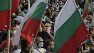 """Bulgaren demonstrieren weiter gegen ihrer Meinung nach """"mafiöse und korrupte"""" Regierung"""