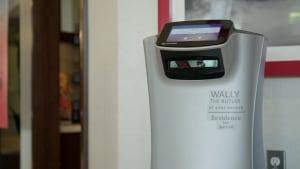 Perfekt distanziert: Zimmerservice per Roboter