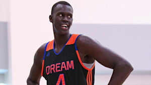 Basketball recruit Makur Maker on his choice to attend Howard
