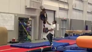 Simone Biles performs impressive double tuck