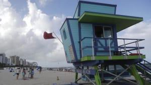 """[CDATA[Inmitten von traurigen Rekorden: Florida rüstet sich für Hurrikan """"Isaias""""]]"""