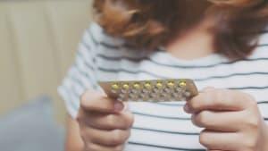Covid-19: Wer die Pille nimmt, kriegt's nicht so schlimm, glauben Forscher