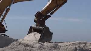 How one Australian family has perfected the process of harvesting salt