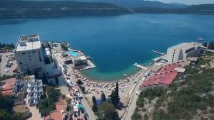 """""""Das ist unser Monte Carlo"""": Touristenansturm an der bosnischen Adria"""