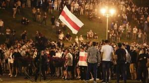Strafender Blick: EU mahnt Belarus
