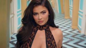 Cardi B verteidigt die Aufnahme von Kylie Jenner in ihrem WAP-Musikvideo