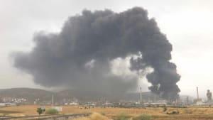 Blitzschlag: Brand in spanischer Ölfirma