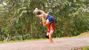 Freestyle football players show off their incredible soccer tricks