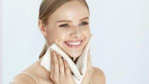 Fünf einfache Wege, nach dem Lockdown die Haut zu verbessern
