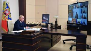 Für Nebenwirkungen fragen Sie... - Putin präsentiert Impfstoff Sputnik-V
