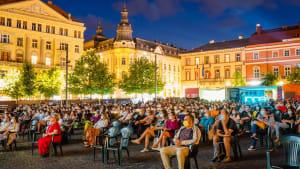 """""""Relativ normal"""": Filmfest TIFF mit Mundschutz und im Freien"""
