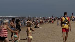 Belgische Strandorte gegen Tagestouristen