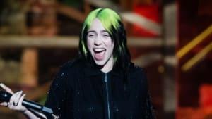 Billie Eilish verteidigt Online-Abhängigkeit von Teenagern