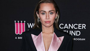 Miley Cyrus verlor ihre Jungfräulichkeit an Liam Hemsworth