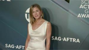 Jennifer Aniston flirtet für den guten Zweck mit Brad Pitt