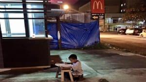 Dieses Foto ändert das Leben des kleinen Jungen für immer