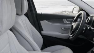 Hygiene am Steuer - So minimieren Sie das Risiko von COVID-19 beim Autofahren