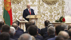 Lukaschenko ins Amt eingeführt