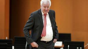 Migrationspakt: Seehofer will Einigung bis Dezember
