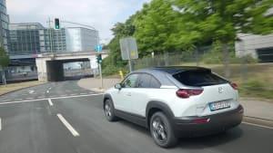 Der Mazda MX-30 - Elektrotechnologien und Fahrdynamik - Auf einen Blick