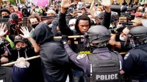 """""""Empörend und beleidigend"""": Neue Proteste gegen Polizeigewalt"""